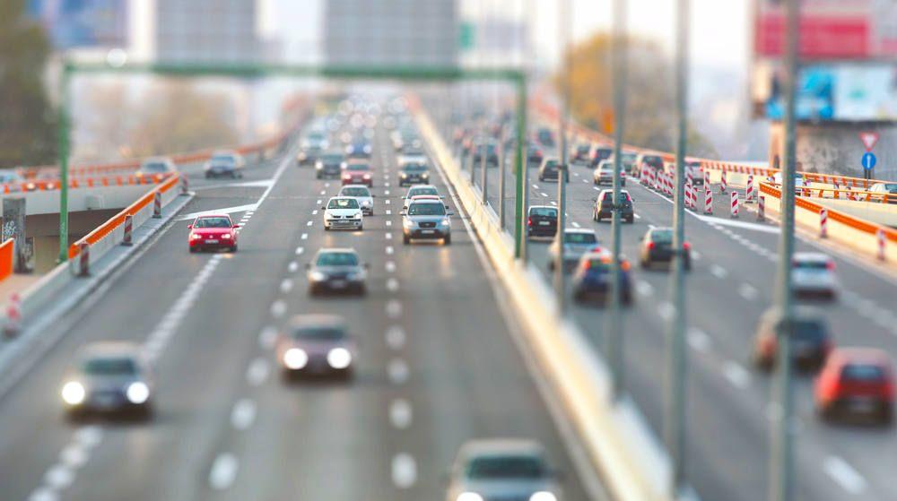 Verkehr-mehrspurig-urban-Heroshot.jpg